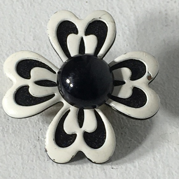 Vintage jewelry 50s dogwood black white flower brooch poshmark 50s dogwood vintage black white flower brooch mightylinksfo